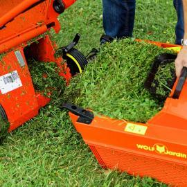 jardin outils wolf tondeuse thermique conducteur marchand bac de ramassage compactage herbe dans bac optimal temoin remplissage vidange facile